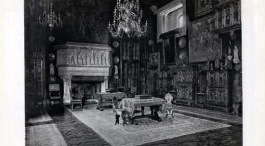 7 - Hôtel Gaillard, Petit salon, vers 1890, avec la tapisserie du Christ ressuscité en haut à droite